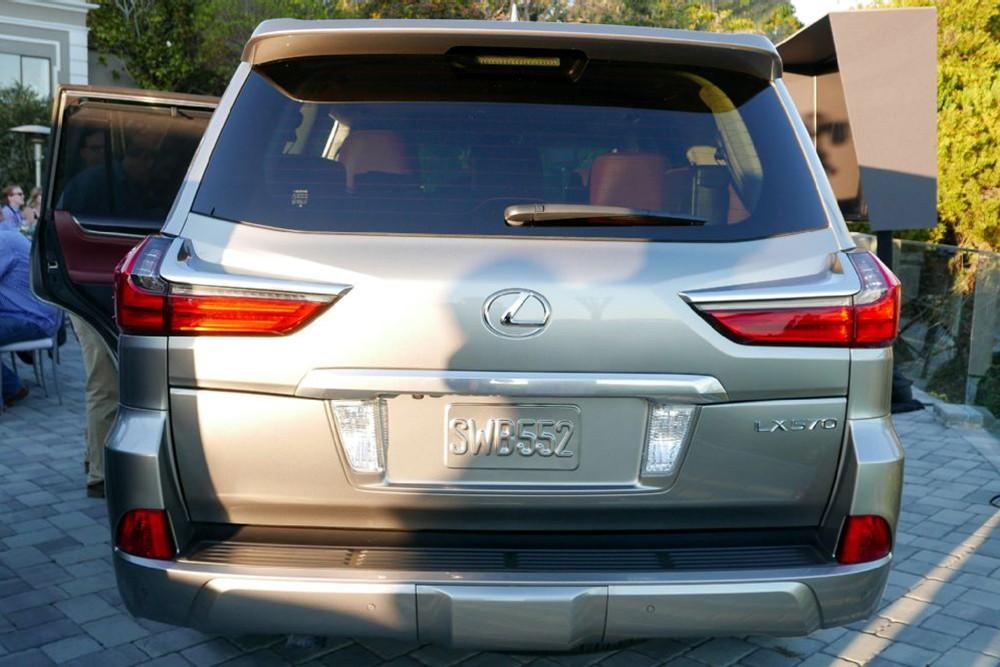 Lexus LX 570 facelift 2016