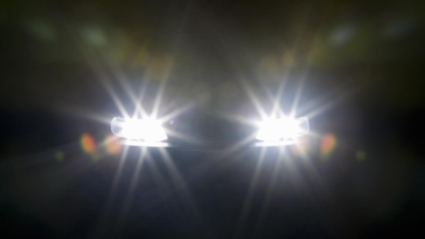 Đèn pha xin đường (nhường đường)