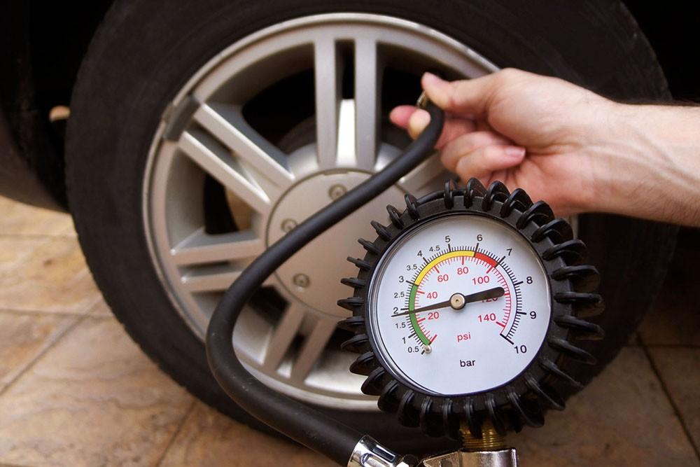 giảm áp suất lốp