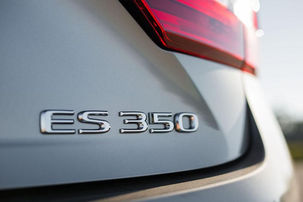 Leuxs ES 350 2016