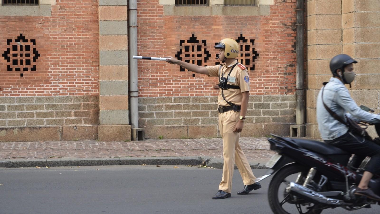 Các trường hợp cảnh sát giao thông có quyền dừng phương tiện
