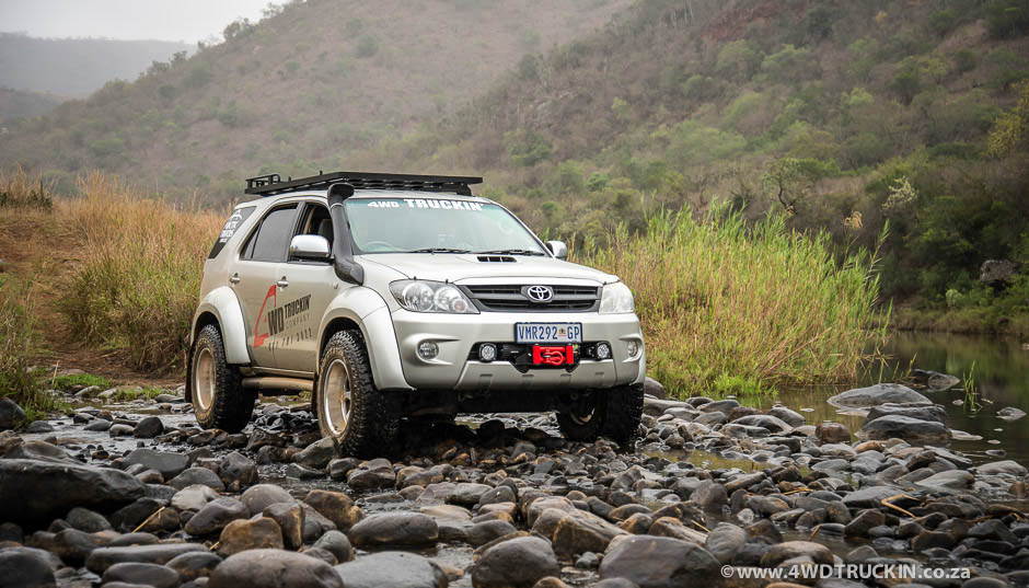 TOYOTA FORTUNER VELG OFF-ROAD HSR RING 20 + BAN ACCELERA ...