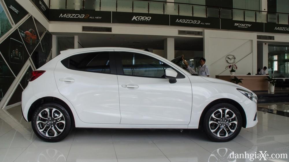 Đánh giá xe Mazda 2 2016, thiết kế nội ngoại thất & giá xe Mazda2 mới nhất 3