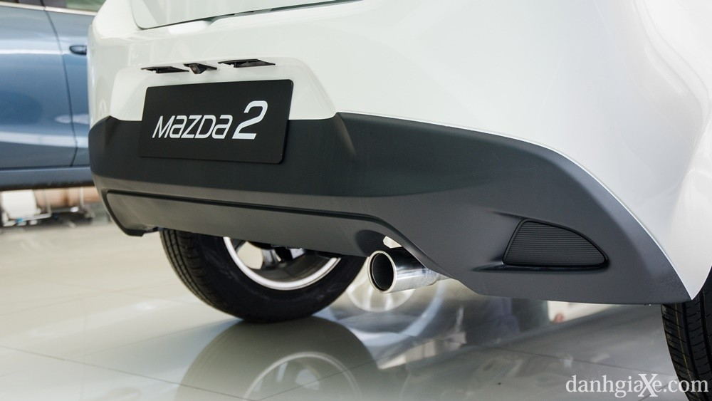 Giá xe Mazda2