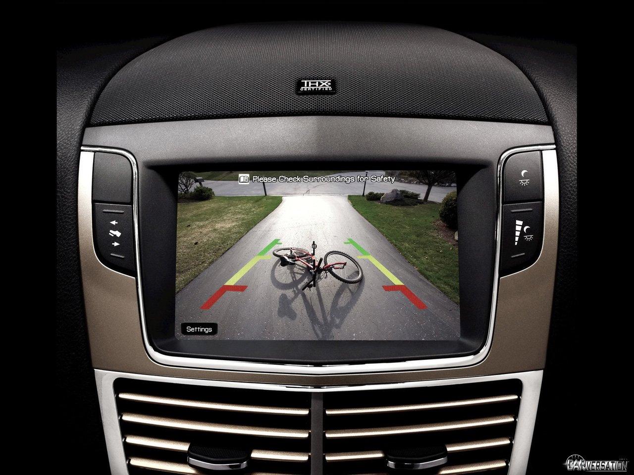 Công nghệ ô tô cần trang bị ở Việt Nam - Camera lùi