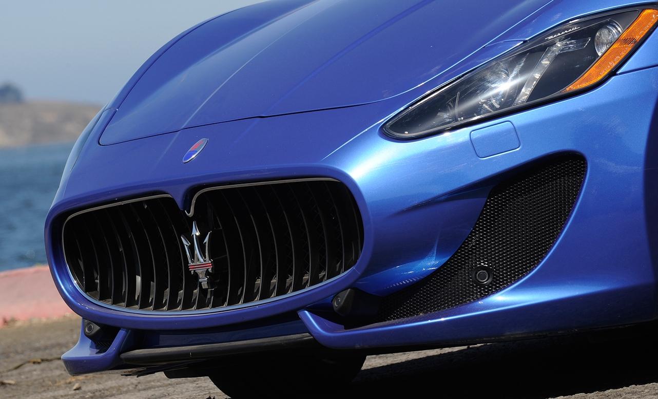 Lưới tản nhiệt ô tô Maserati