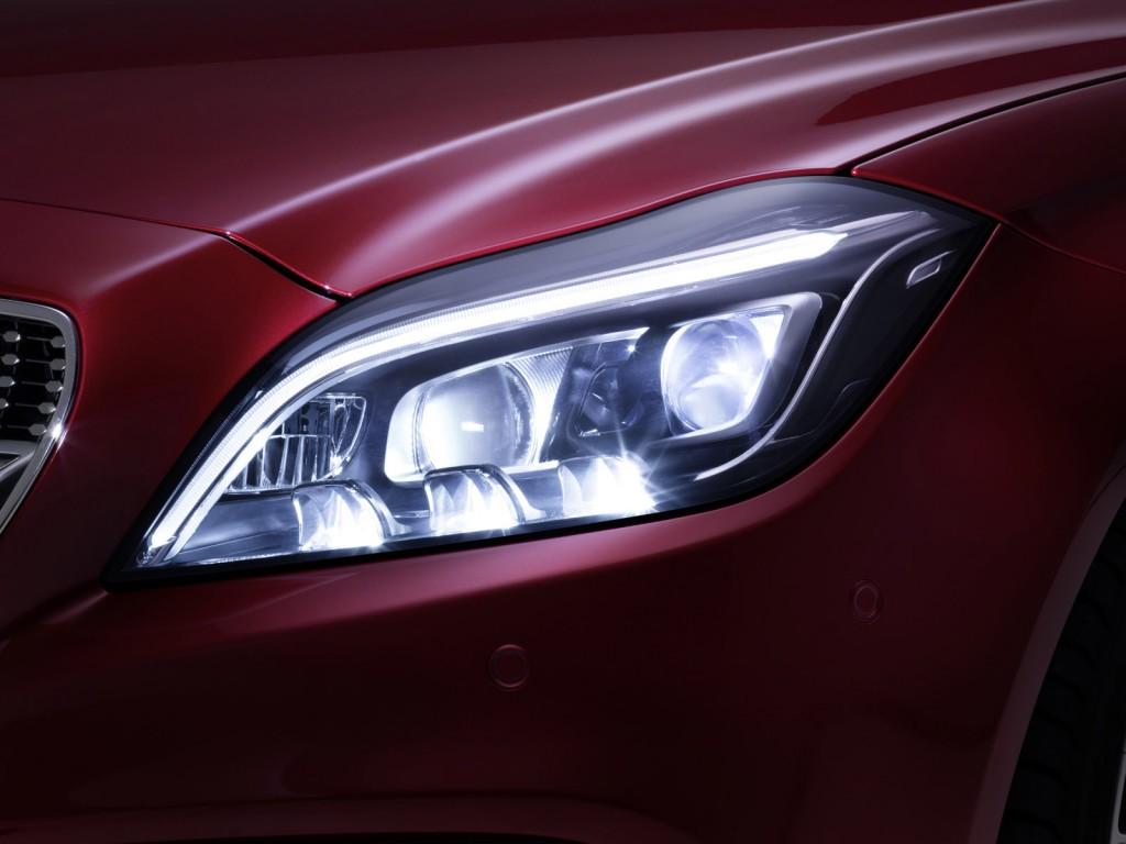Mercedes-Benz CLS-Class 2015 sẽ được trang bị công nghệ đèn pha MULTIBEAM LED