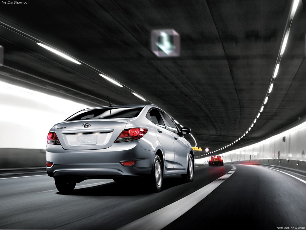 Hyundai Accent 2012 - vận hành