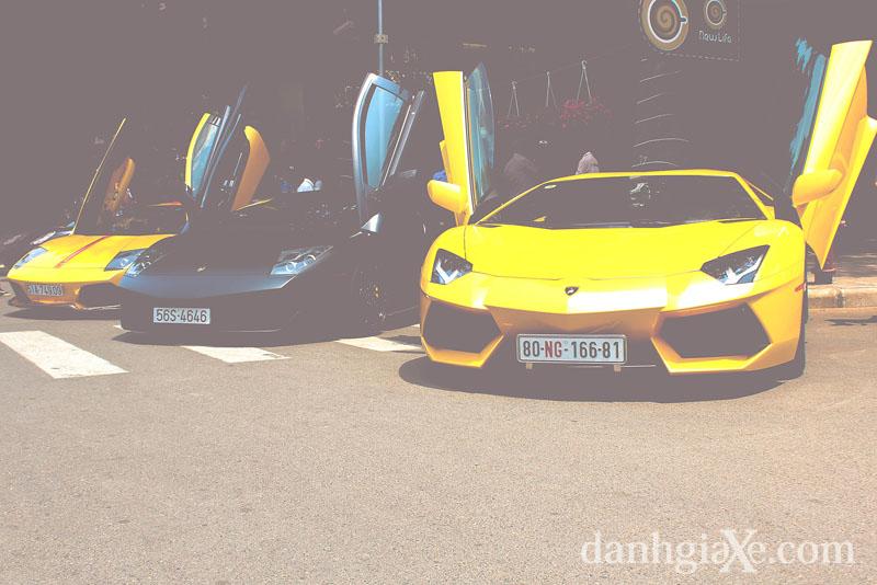 Dàn siêu xe khủng tụ họp ở Sài Gòn - bộ ba Lamborghini