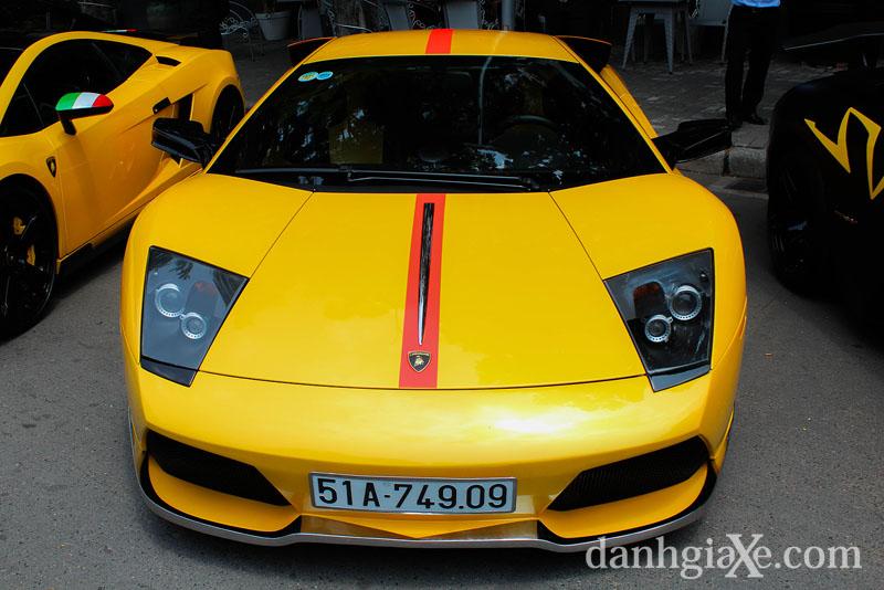 Dàn siêu xe ô tô khủng tụ họp ở Sài Gòn - Lamborghini Mcrielago LP640