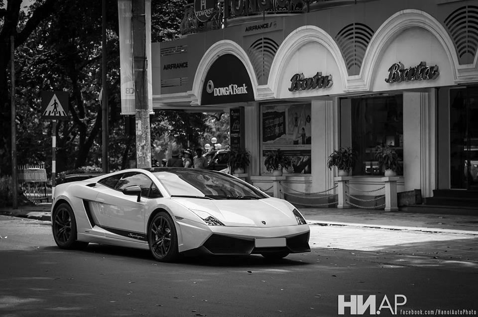 Một trong những siêu xe Việt Nam thuộc sở hữu của đại gia Ninh Bình. Ảnh: HaNoi Automotive Photography