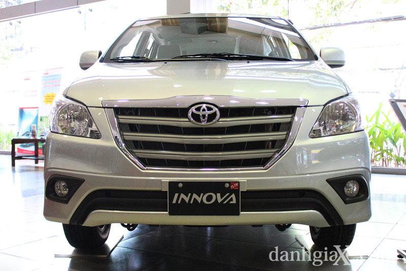 Toyota Innova 2014 giá không đổi
