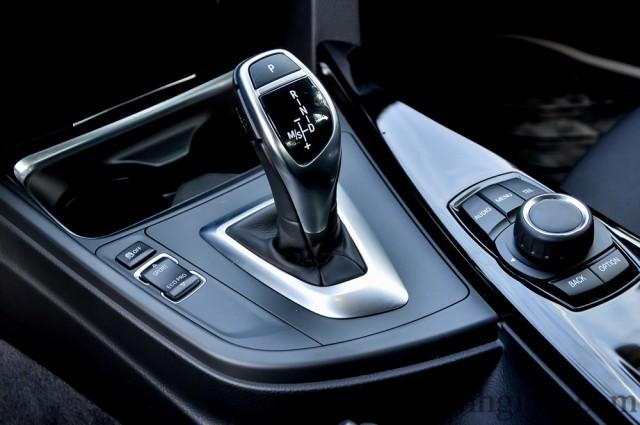 Cần số BMW 328i 2012, BMW 3-series