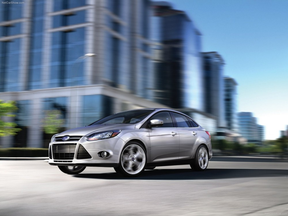 ford-focus_sedan_2013_2.jpg