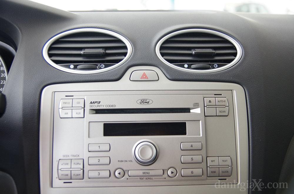 Hệ thống nghe nhìn ford focus 2012