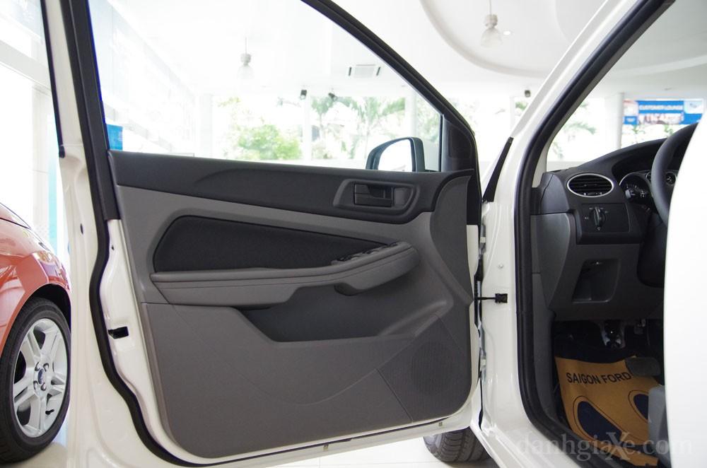 Cửa xe ford focus 2012