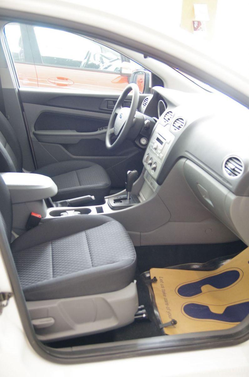 Ghế trước xe ford focus 2012