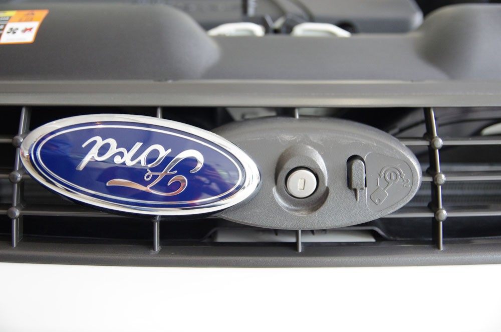 ford_focus_1_8at_2012_57.jpg