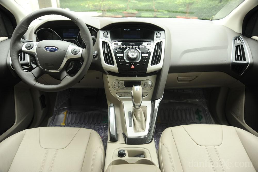 Nội thất Ford Focus 2012
