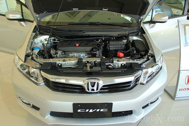 honda_civic_2012_185_0.jpg