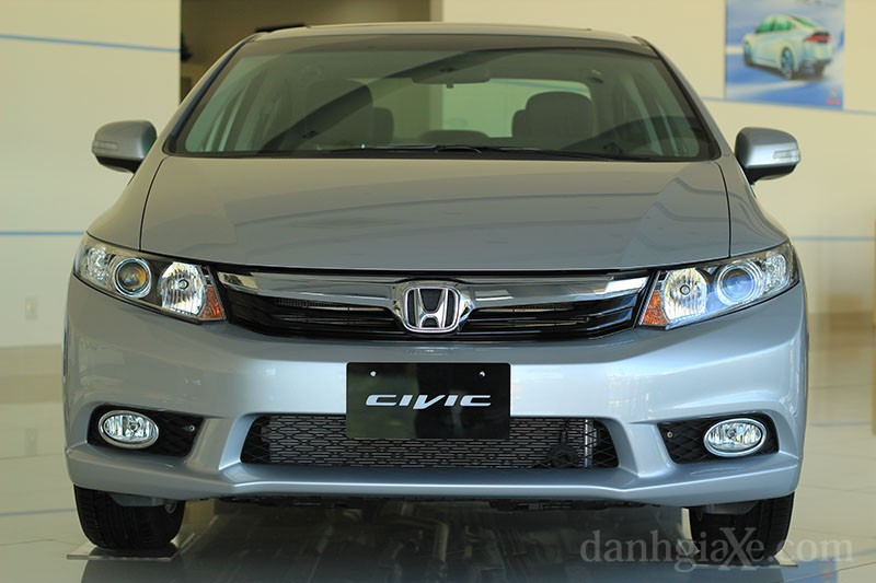 honda_civic_2012_1_2.jpg