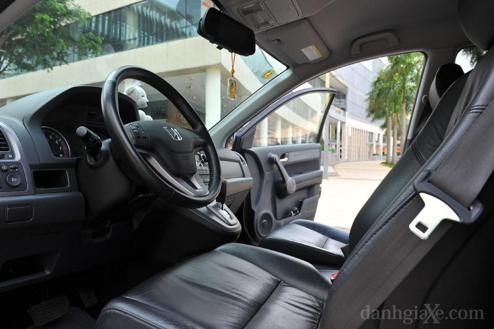 Ghế trước, vô lăng Honda CR-V 2008