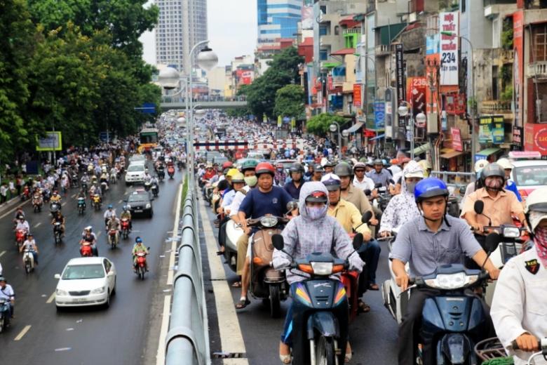 Những điều cần chú ý để lái xe an toàn trong đường thành phố