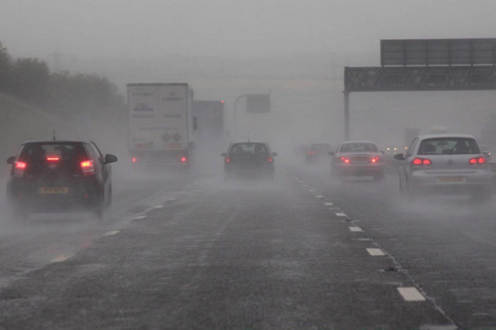 Kinh nghiệm lái xe an toàn khi lưu thông trên đường cao tốc
