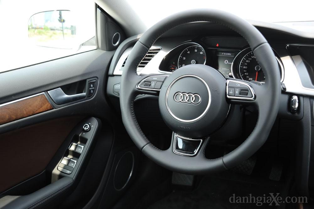 Vô lăng Audi A5 Sportback 2012