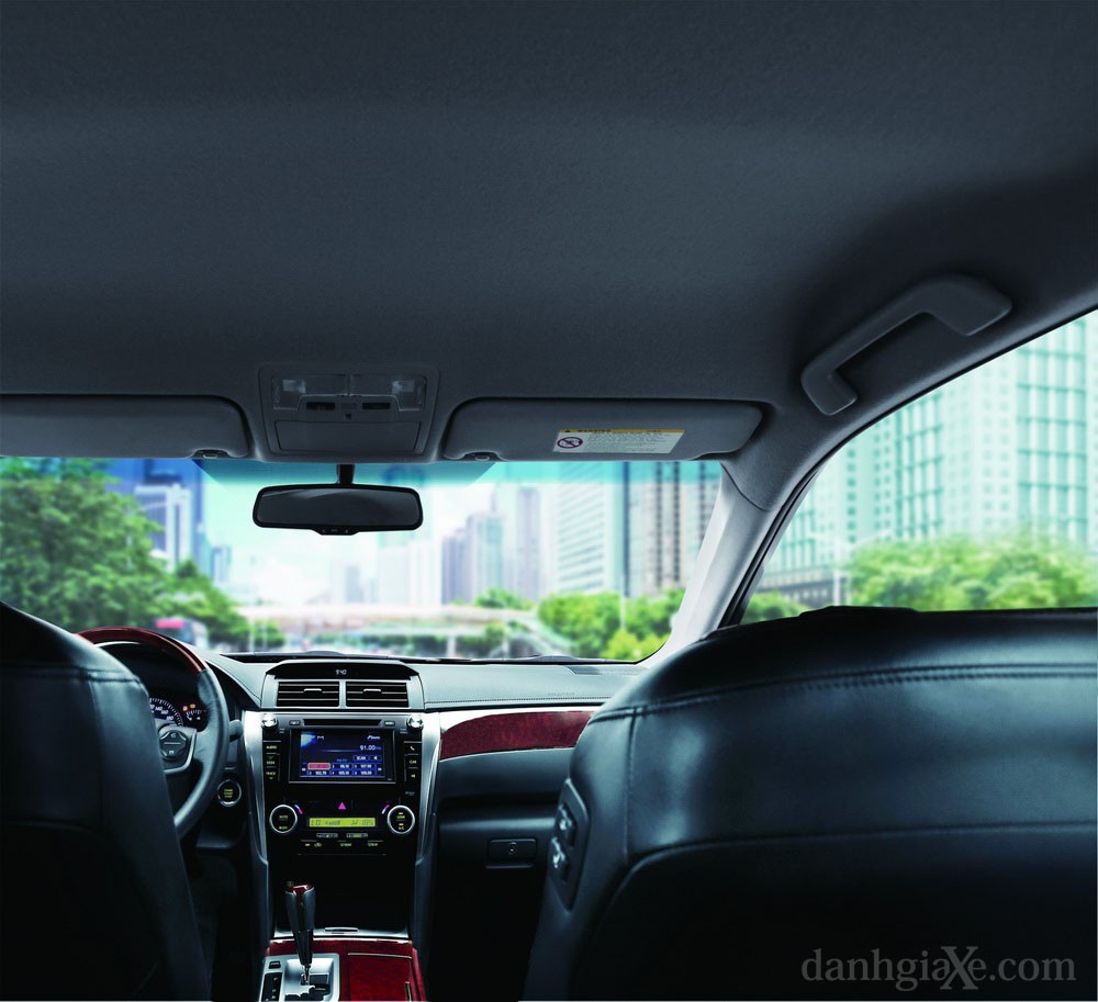 Hệ thống nghe nhìn Toyota Camry 2012
