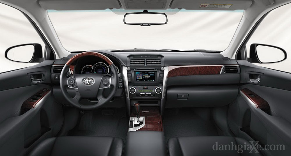 Nội thất xe Toyota Camry 2012