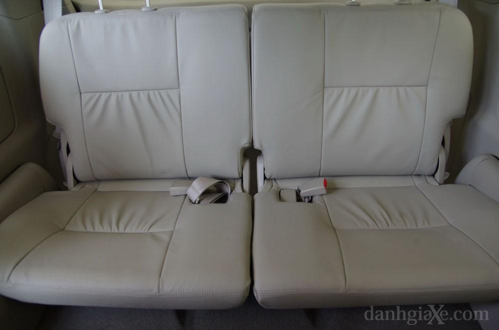 Ghế ngồi xe Toyota Innova 2012