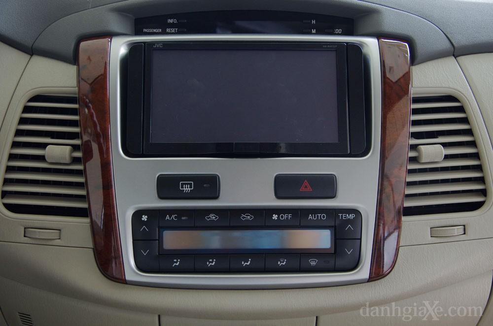 Đầu CD Toyota Innova 2012