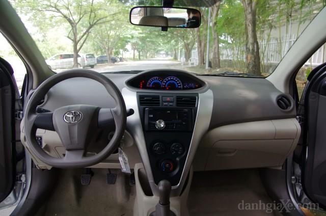 Nội thất Toyota Vios 2012