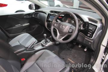 2016-Honda-City-Black-interior-with-accessories-dashboard-at-Auto-Expo-2016.jpg