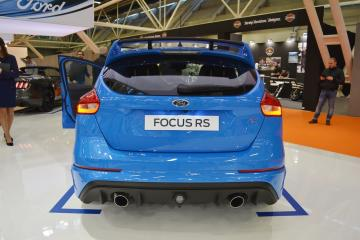 2017-Ford-Focus-RS-rear-at-2016-Bologna-Motor-Show.jpeg