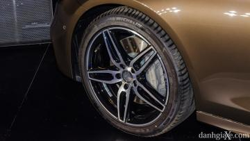 Mâm xe 19-inch của Mercedes E300 AMG